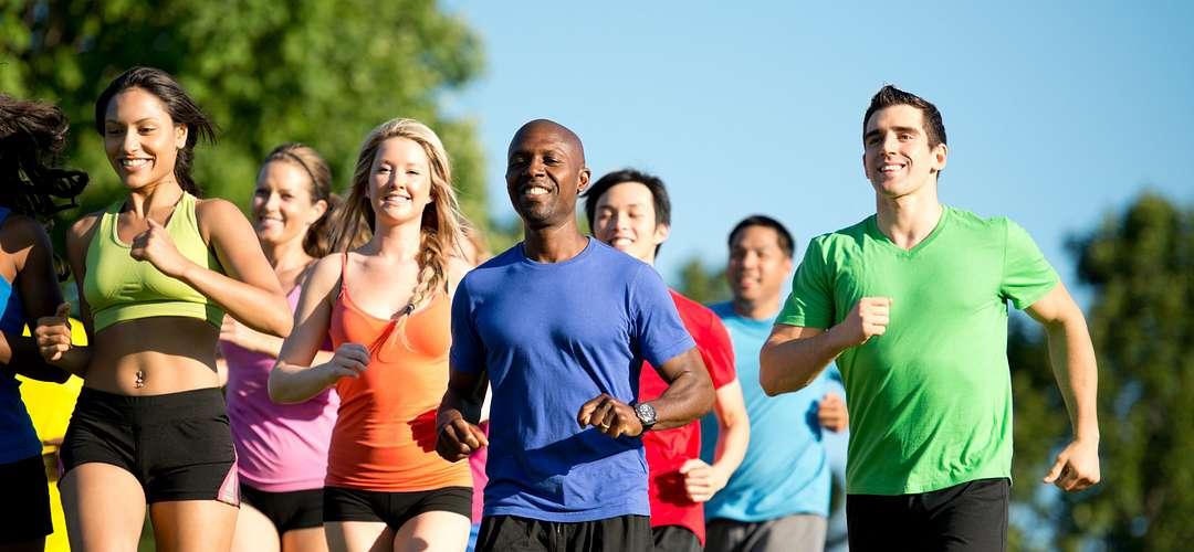 ameixa saúde grupo mulheres cruz azul fêmea saudável exercício aptidão exercício grupo homens raça saudável azul horizontal