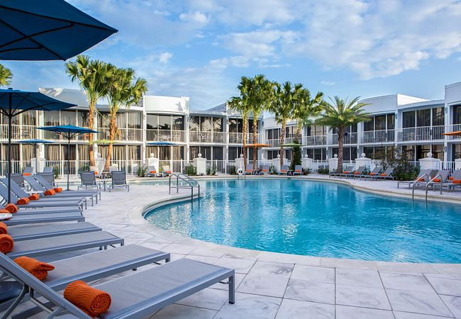 B Resort & Spa Orlando at Disney Springs