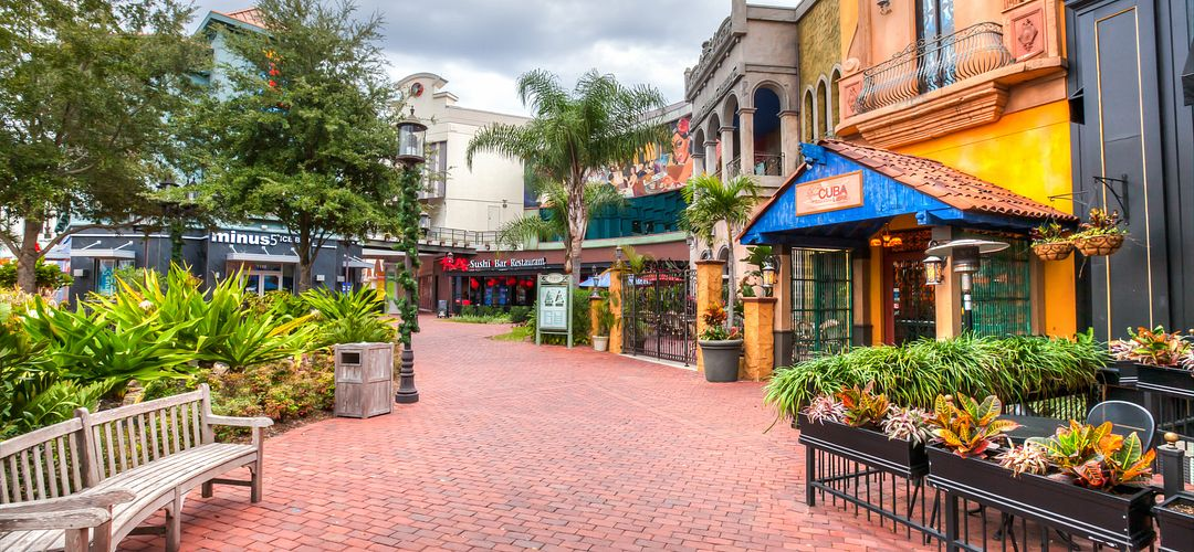 A view of several of the restaurants and bars at Pointe Orlando