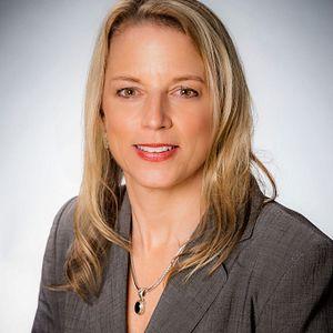 Portrait of Danielle Hollander, Visit Orlando Chief Marketing Officer