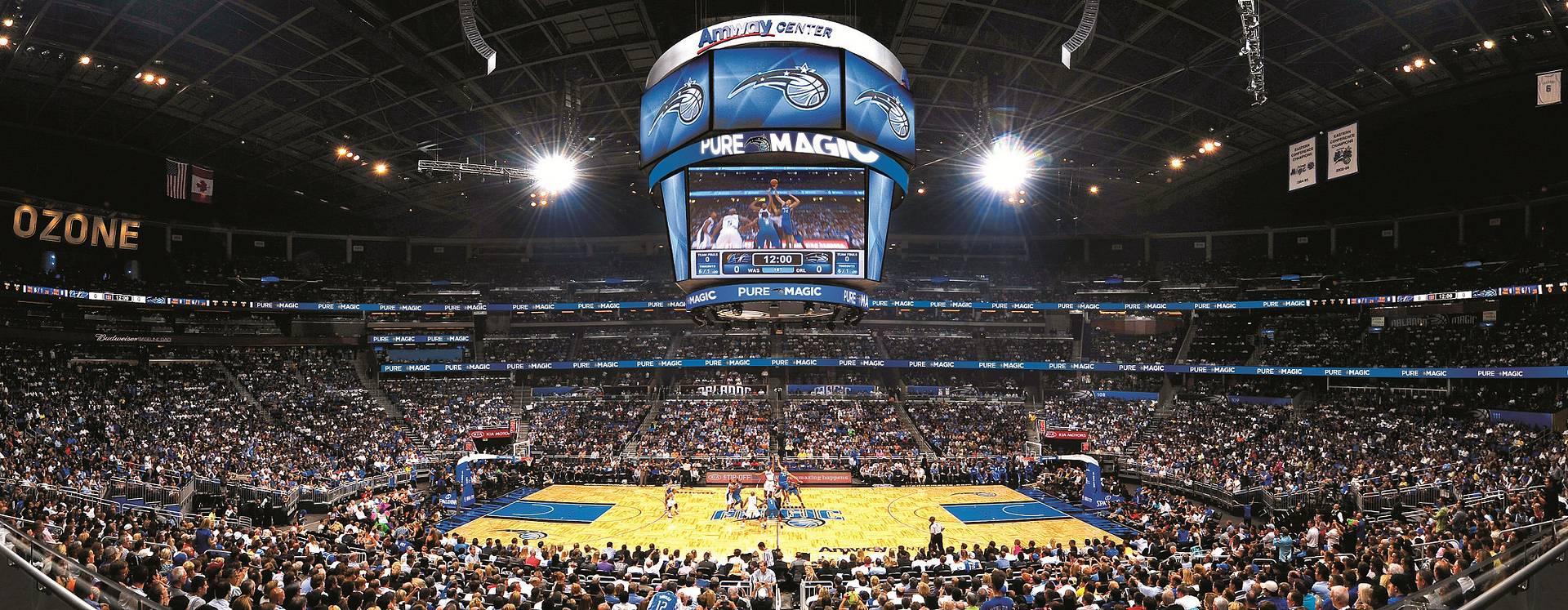 Orlando Magic, o time de basquete de Orlando, jogando no Amway Center