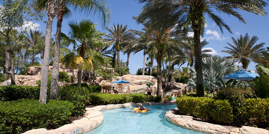 In Orlando, fun and relaxation are waiting for you at our water parks and resorts' unforgettable lazy rivers.