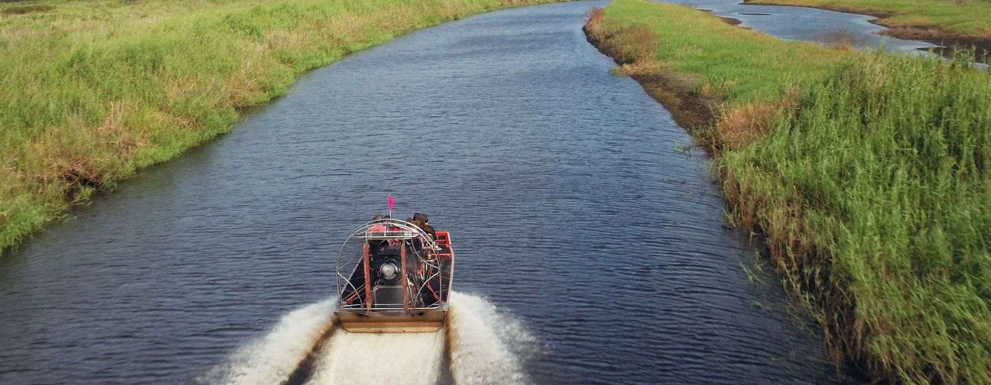 87106_airboats_grass scenery.jpg