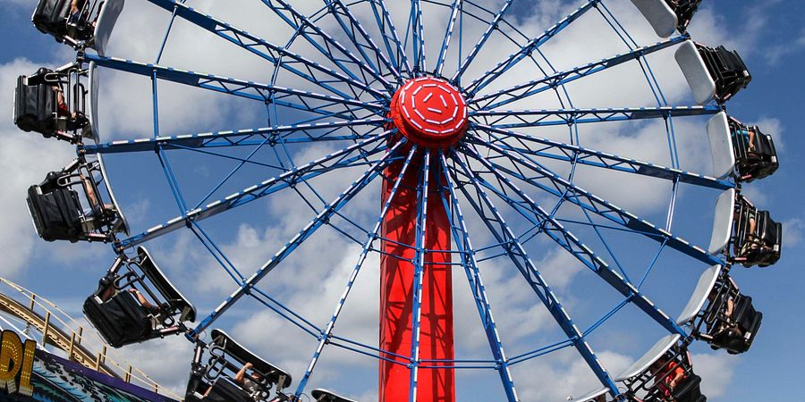 See Orlando in a whole new way at Ferris wheels and other sky-high attractions throughout the destination.