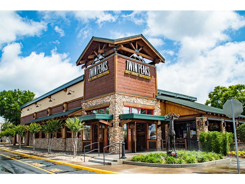 Twin Peaks Altamonte Springs