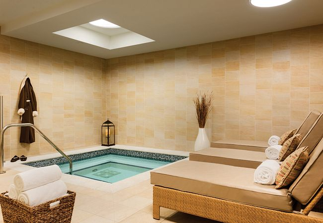 Jacuzzi at The Spa at Hyatt Regency Orlando