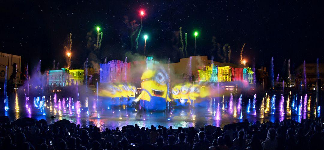 Apresentação dos Minions durante o show Universal Orlando's Cinematic Celebration