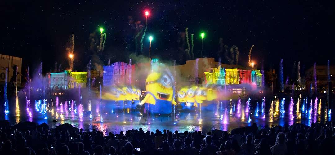 Presentación de los Minions durante el espectáculo Universal Orlando's Cinematic Celebration