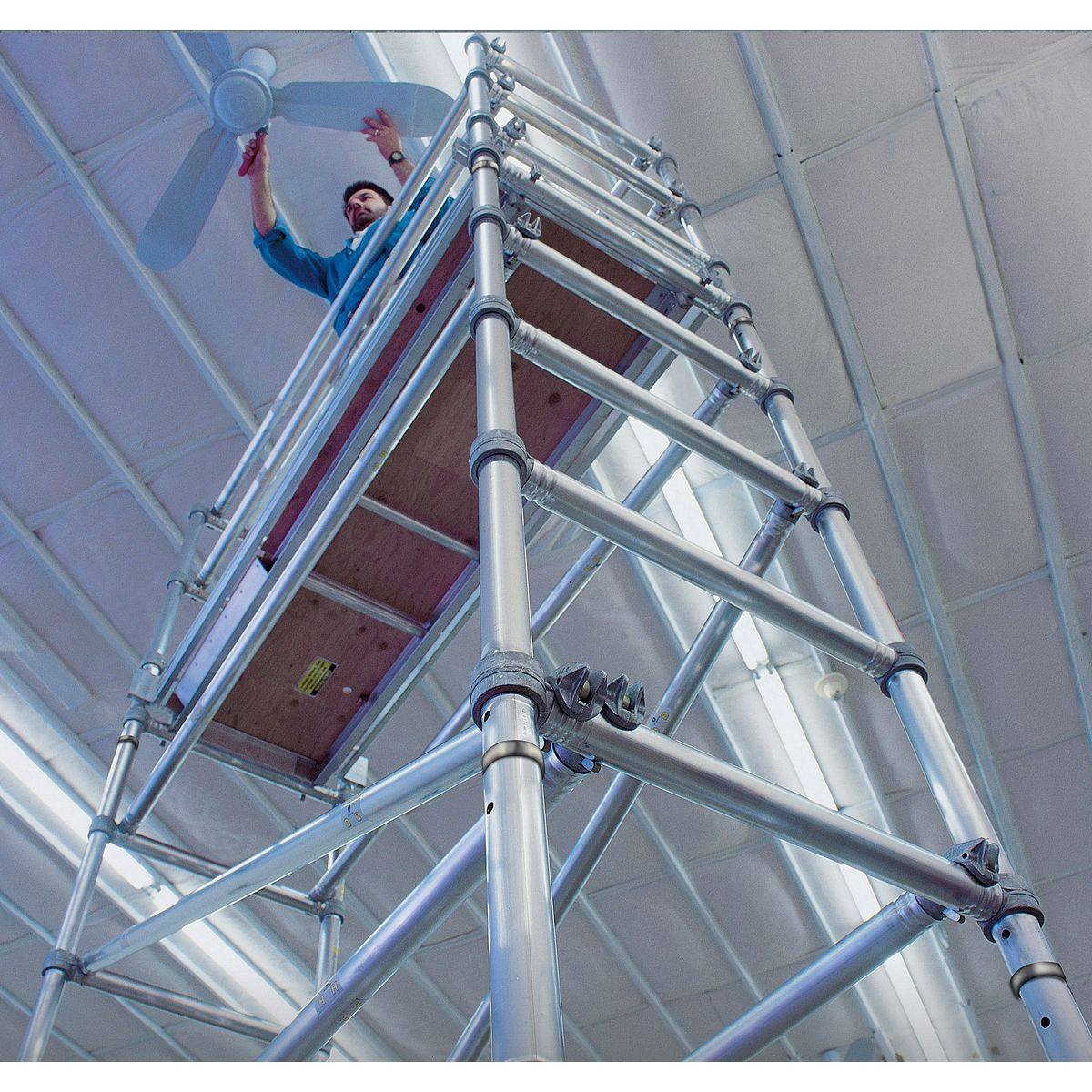 Long Span Scaffolding : Scaffold towers werner us