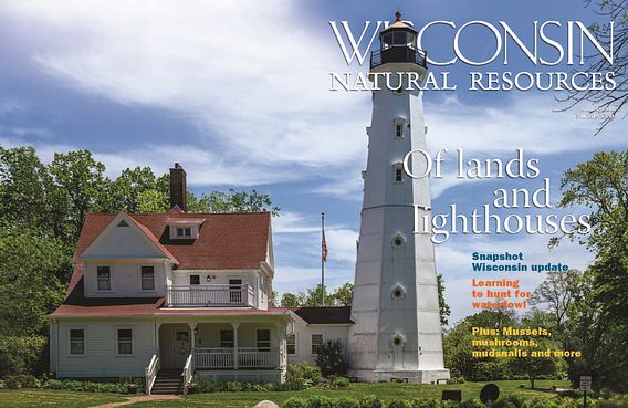 WNR magazine Fall 2019 cover with Milwaukee lighthouse
