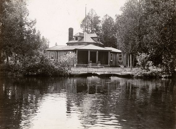 historic photo of Henry Clay Pierce estate on Brule River
