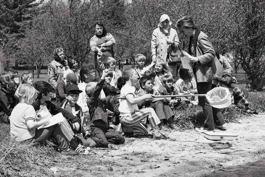 schoolchildren with instructor Genevieve Bancroft at MacKenzie Environmental Center circa 1973
