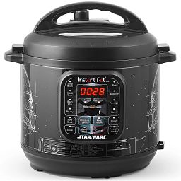 Star Wars - Darth Vadar 6-qt. Pressure Cooker close-up front view