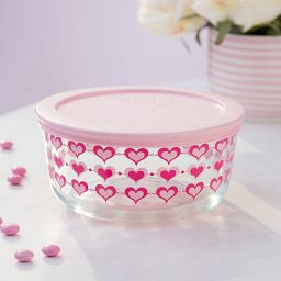 Simply Store Hearts 4 Cup Decorated Dish on Table