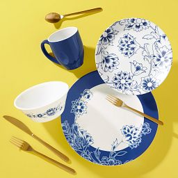 Indigo Blooms 16-piece Dinnerware Set, Service for 4 on the table