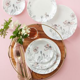 Poppy Print 16-piece Dinnerware Set on the table