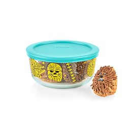 Star Wars Chewbacca 4-cup decorated storage on the table with cookie on on the side