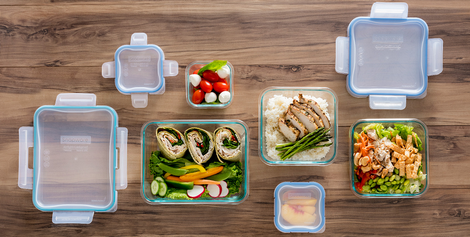 Set of Snapware Storage Holding Meals for the Week