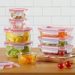 Freshlock™ 16-piece Glass Storage Set with food inside displayed on the counter