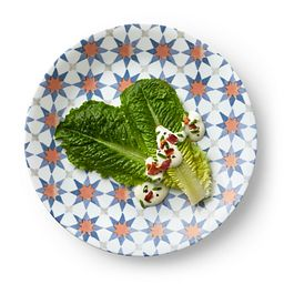 "Signature Amalfi Azul 8.5"" Lunch Plate with food"