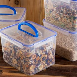 containers with dried food