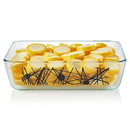 Noir 6-cup Glass Food Storage Container with Yellow Squash inside