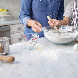 Pyrex Smart Essentials 4-qt Mixing Bowl in use