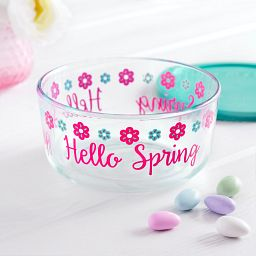 Simply Store 4 cup Spring Storage Dish with Lid Off on the table