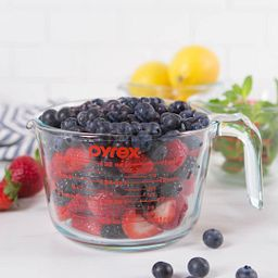 Pyrex 4 Cup Measuring Cup with Berries