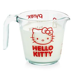 Hello Kitty 2-cup Measuring Cup with milk inside