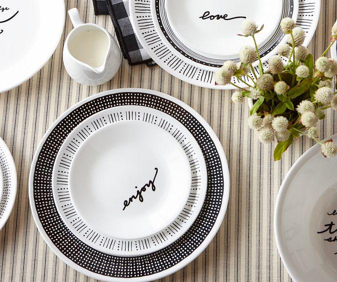1132878_CO_Tabletop_Lifestyle_Hero_Metropolita Dots_Dinner Plate_1.tif