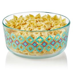 Diamonds 7-cup Glass Food Storage Container with pasta in it
