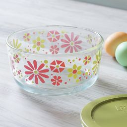 Simply Store® 4-Cup Petal Power Storage Dish w/ Lid Off on table