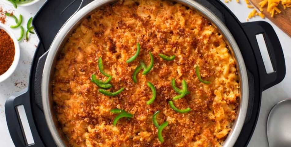 jalapeno mac and cheese in bowl