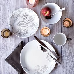 Vive™ Reminisce 16-pc Dinnerware Set lifestyle image