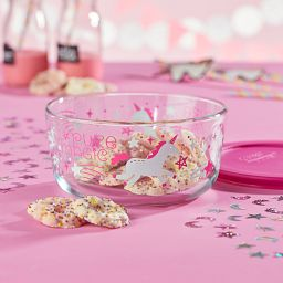 Unicorn 4-cup Glass Food Storage Container with Pink Lid with food