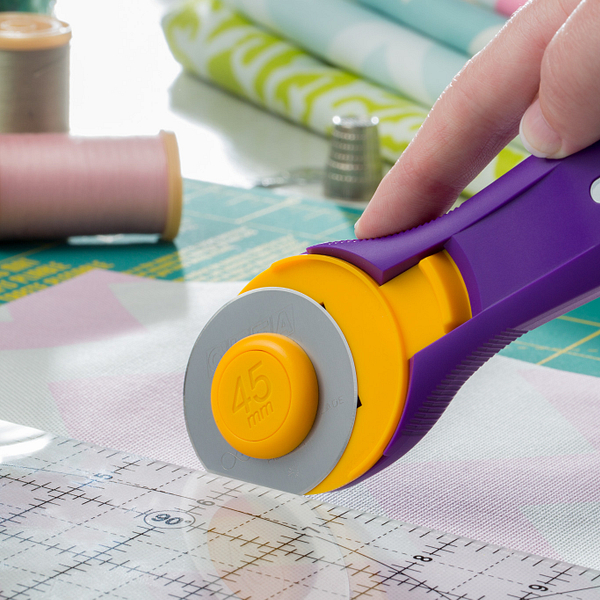Splash 45mm Rotary Cutter, Emperor Purple (RTY-2C/PR)