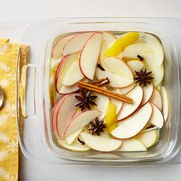 "Easy Grab 8"" Square Baking Dish w/Apples Inside"