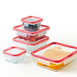Freshlock™ 10-piece Glass Storage Set with food inside