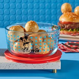 4-cup Decorated Storage: Mickey Mouse - Since 1928 with rolls in open bowl