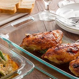 Easy Grab Bake 'N Store with Chicken in Dish