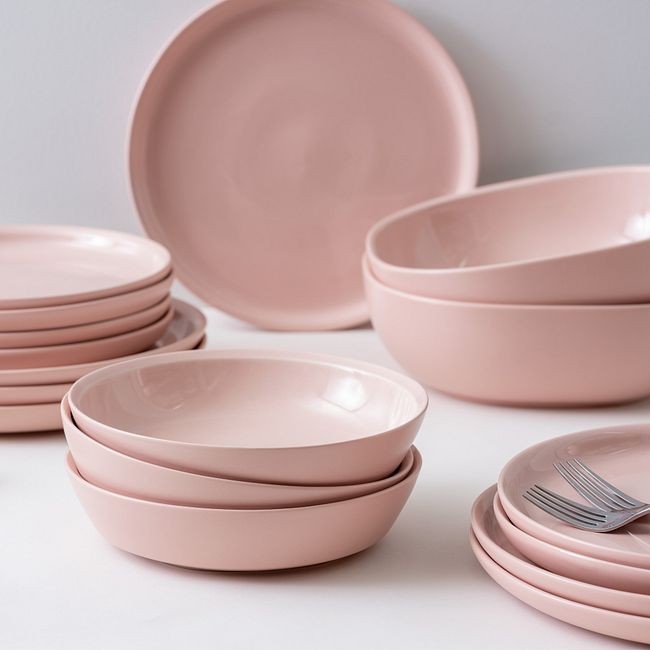 Blush 2.75-quart Serving Bowl