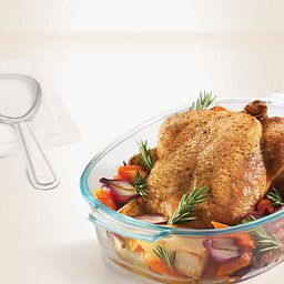 2.5-qt Oval Roaster with Chicken Inside