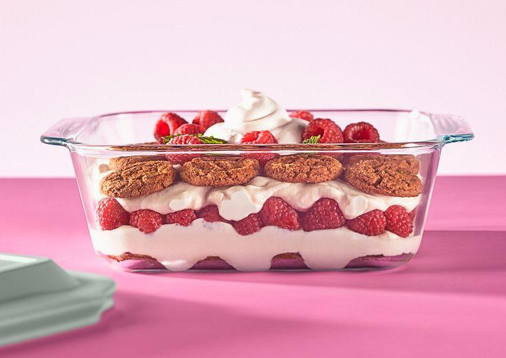 Pyrex Sweet Treat Layered Cake