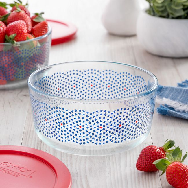Simply Store 4-cup Stars Swirl Storage Dish with Red Lid
