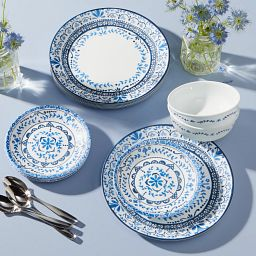 Portofino 18-piece Dinnerware Set, Service for 6 on the table