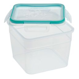 Total Solution™ 10.34 Cup Square Plastic Food Storage w / Lid off