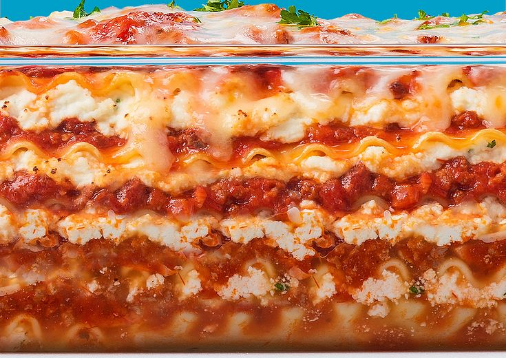 Pyrex Deep 9x13 with Cheesy Meat Lasagna