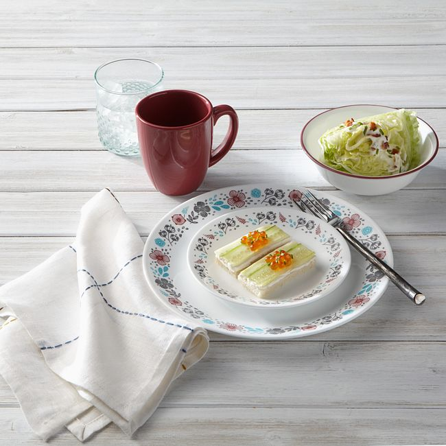 Nordic Bloom 16-piece Dinnerware Set, Service for 4