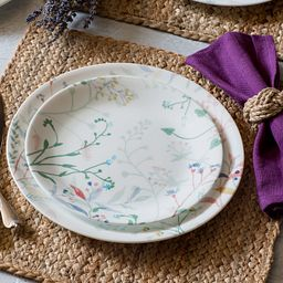 Boutique Monteverde 12-pc Dinnerware on the table